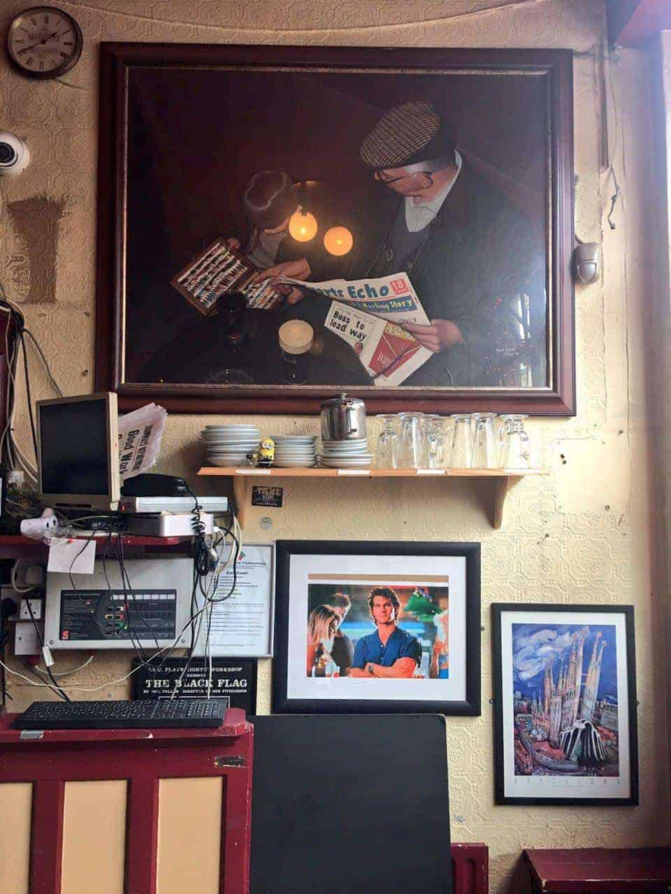 Image of a cosy pub in Cork, Vicarstown Bar